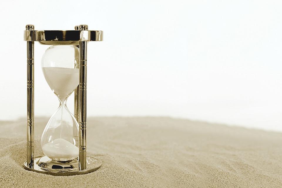 hourglass-2910948_960_720